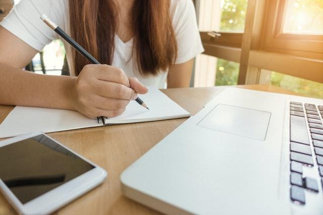 دورات مجانية لدراسة اللغة الإنجليزية