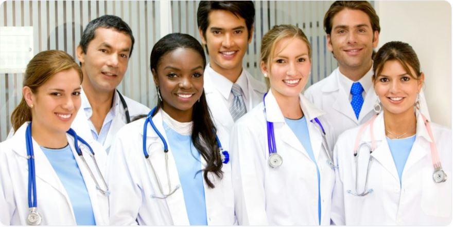 منح لدراسة الطب في بريطانيا