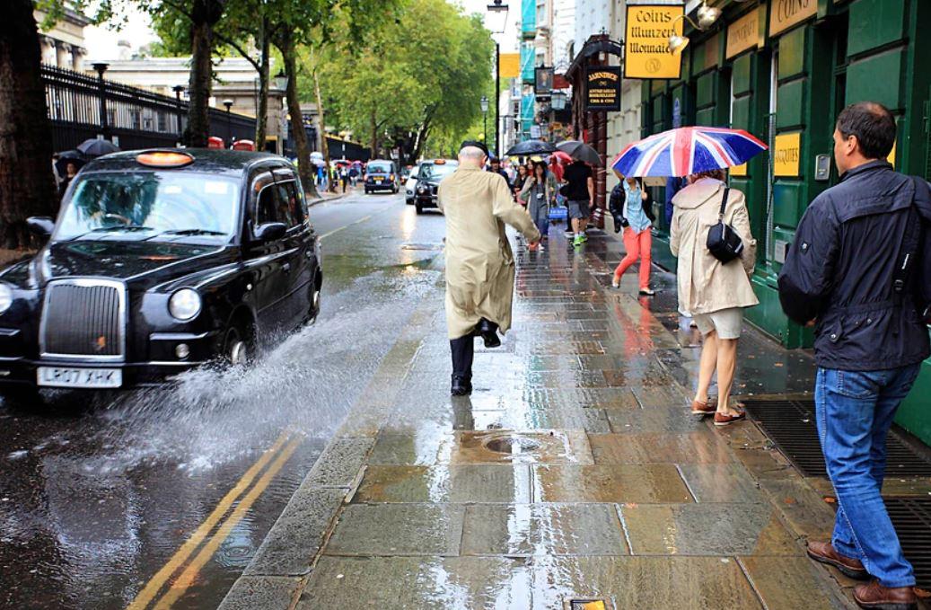 1 تمطر فعلاً في لندن لكن ليس بالشكل الذي يعتقده الناس