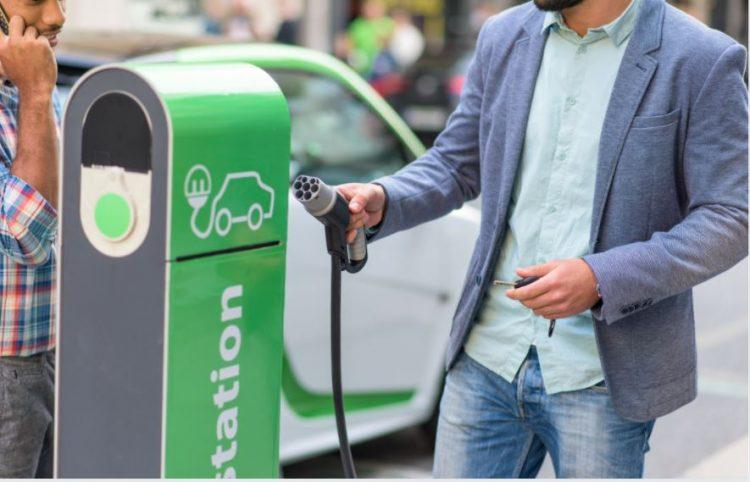 السيارات الكهربائية بحلول 2030