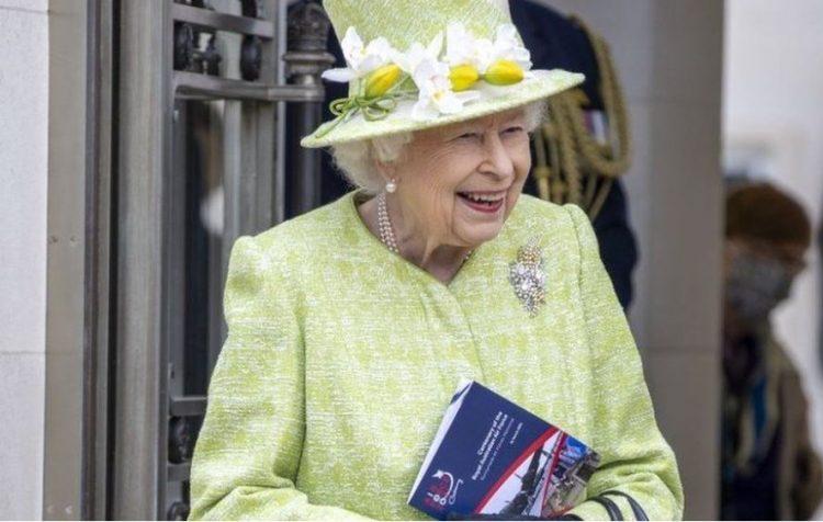 ملكة بريطانيا اليزابيث